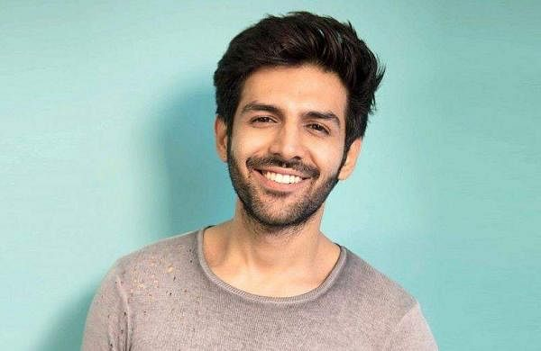 kartik-aaryan-shows-us-how-to-maintain-a-killer-beard1400-1512648966_1100x513