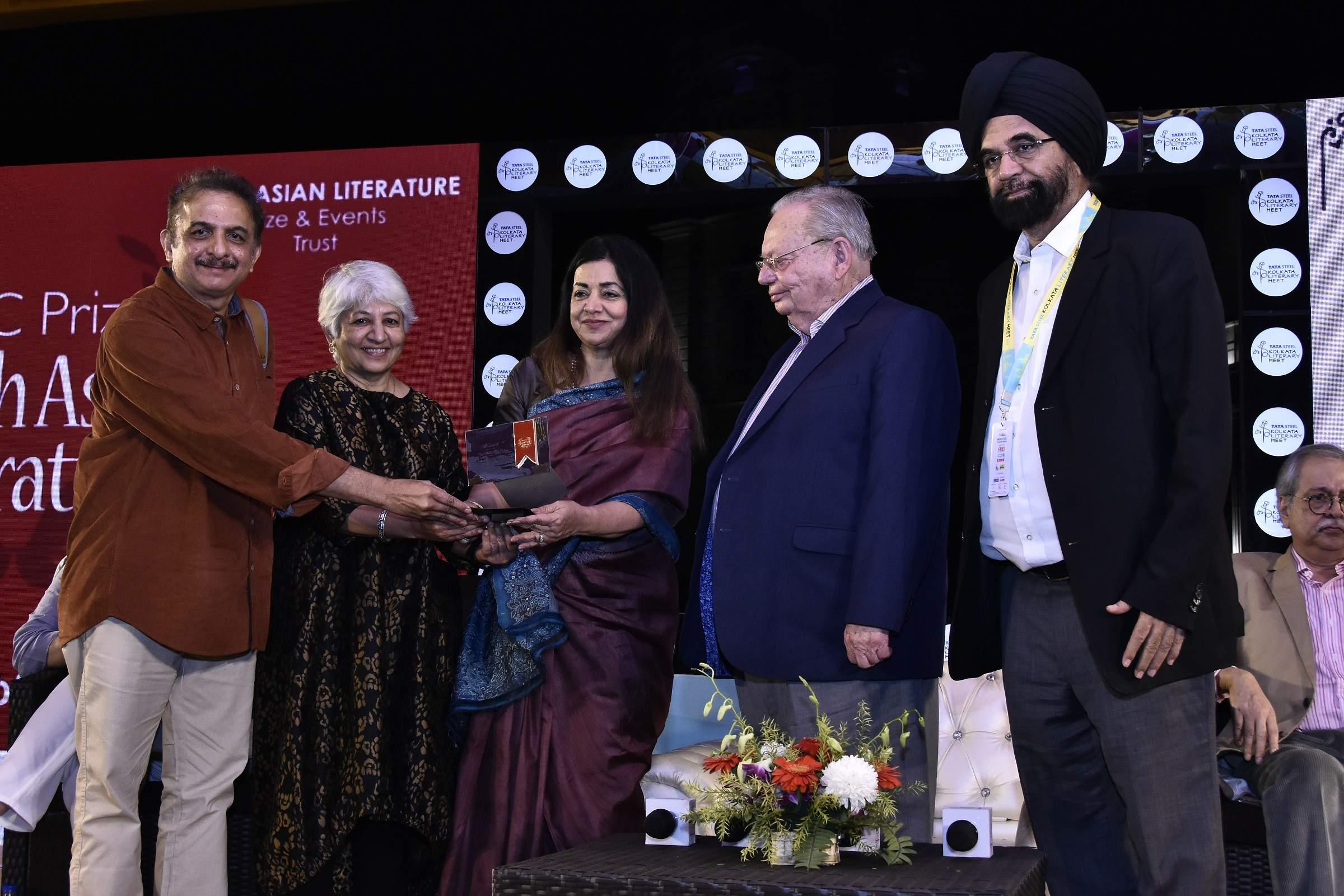 Jayant Kaikini along with translator Tejaswini Niranjana wins the DSC Prize for South Asian Literatu