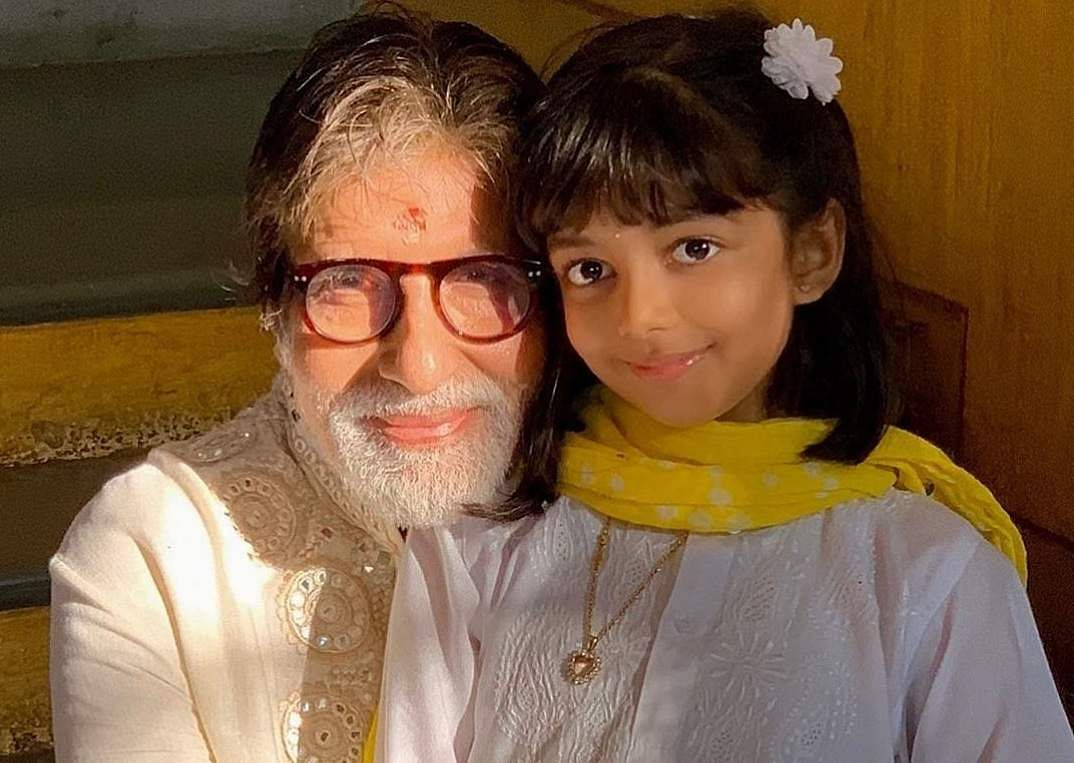 'Dadaji' Big B with Aaradhya (Photo: IANS)