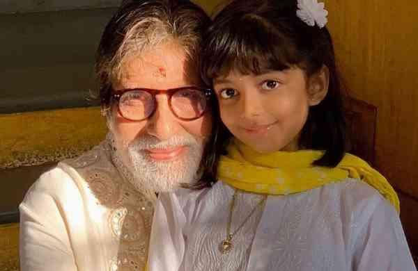 'Dadaji' Big B with Aaradhya (Photo: IANS)