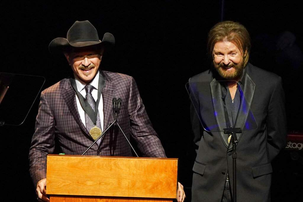 Kix Brooks and Ronnie Dunn (Photo by Sanford Myers/Invision/AP)