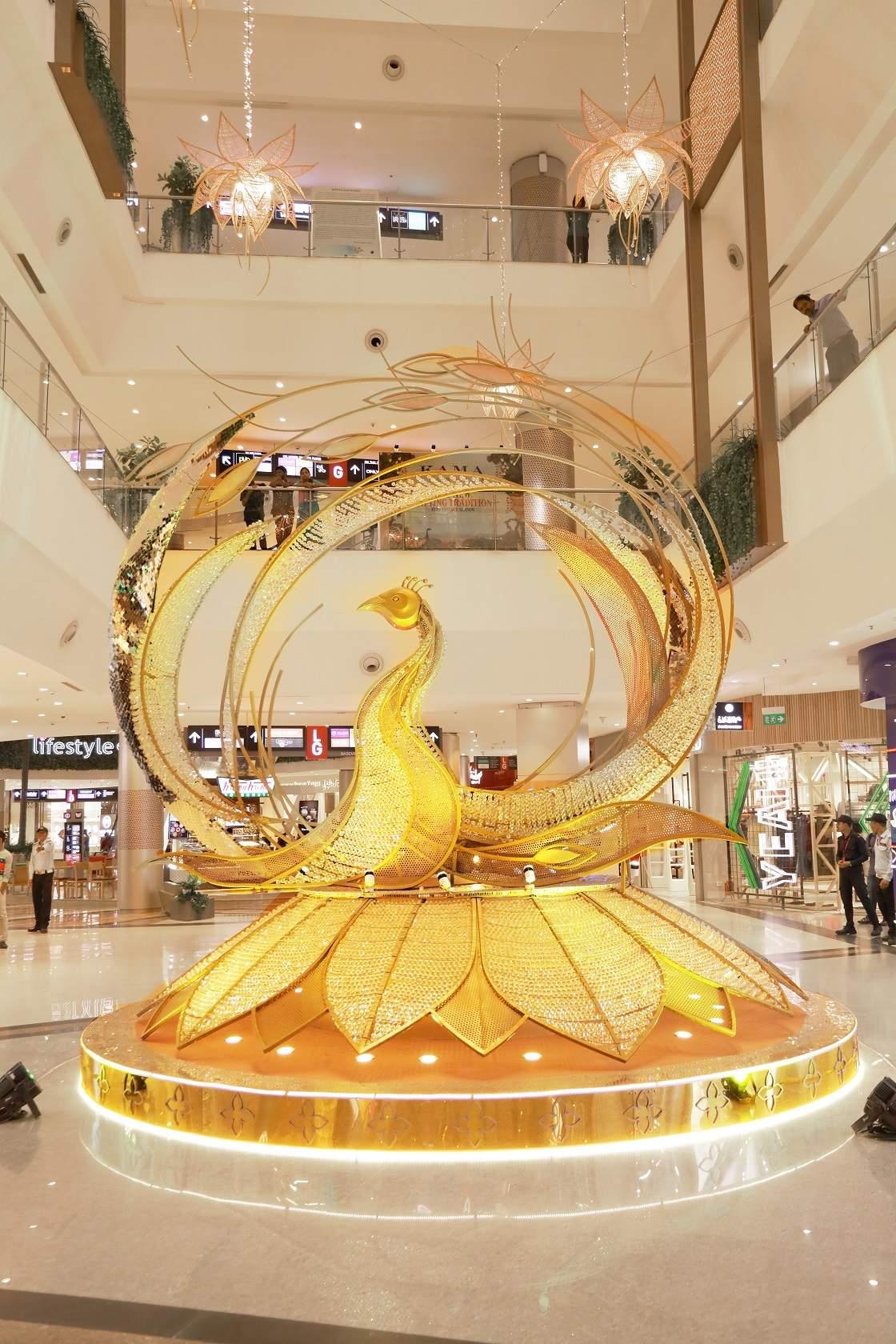 Pic_6_Grand_Peacock