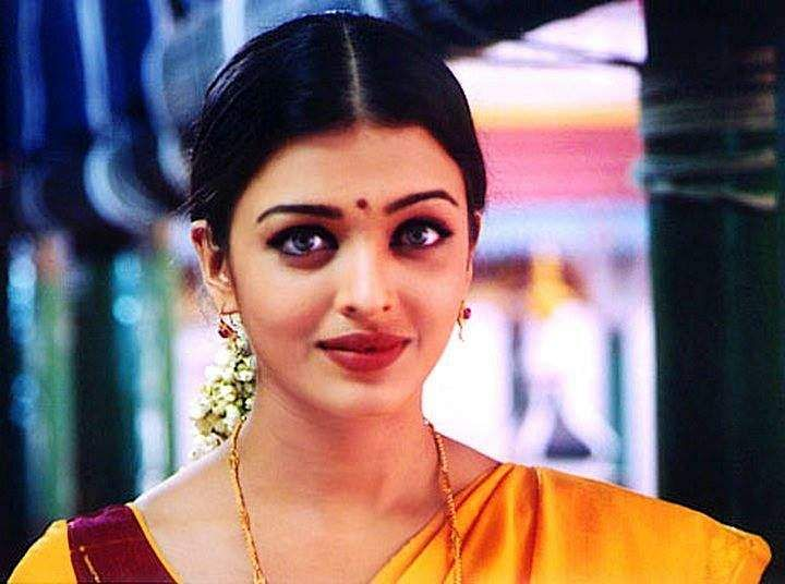 Aishwarya in romantic drama Kandukondain Kandukondain adopted from Jane Austen's Sense and Sensibility