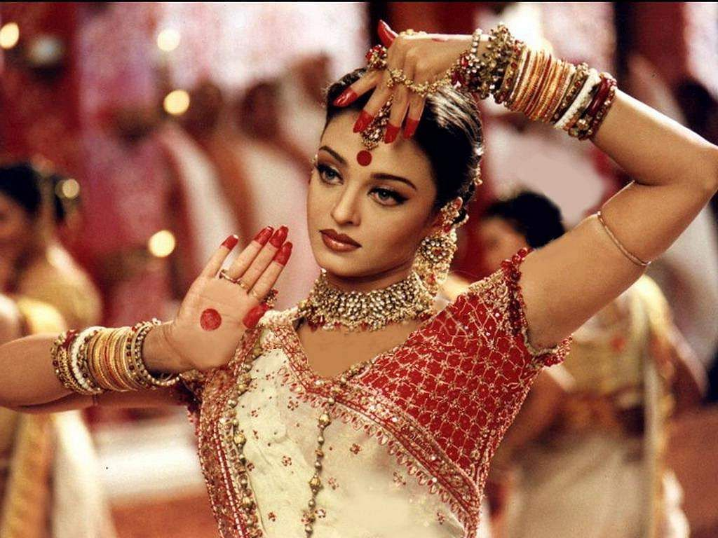 A still Aishwarya Rai from Devdas