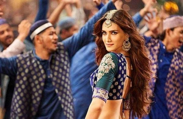 Watch! Ahead of Panipat release, Kriti Sanon shows off her moves inParvati Bai get up
