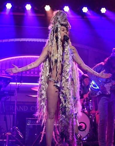 In a 2015 episode of Saturday Night Live, Cyrus decided a wig as an outfit would just do!