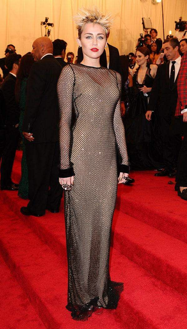 Miley goes Goth with a Marc Jacobs gown at the Met Gala 2013