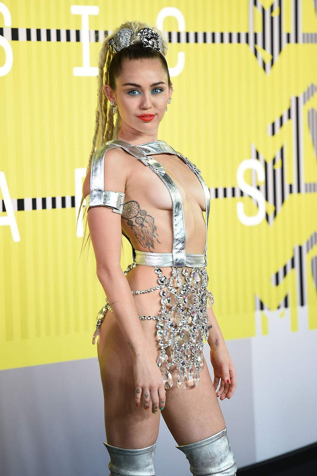 Miley's turn on the 2015 VMA red carpet