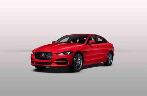 New_Jaguar_XE_-_1