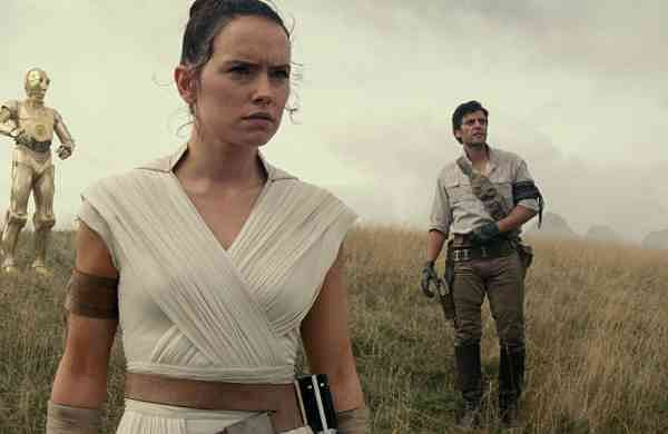 Daisy Ridley flanked by Oscar Isaac and John Boyega in a still from Star Wars: The Rise of Skywalker