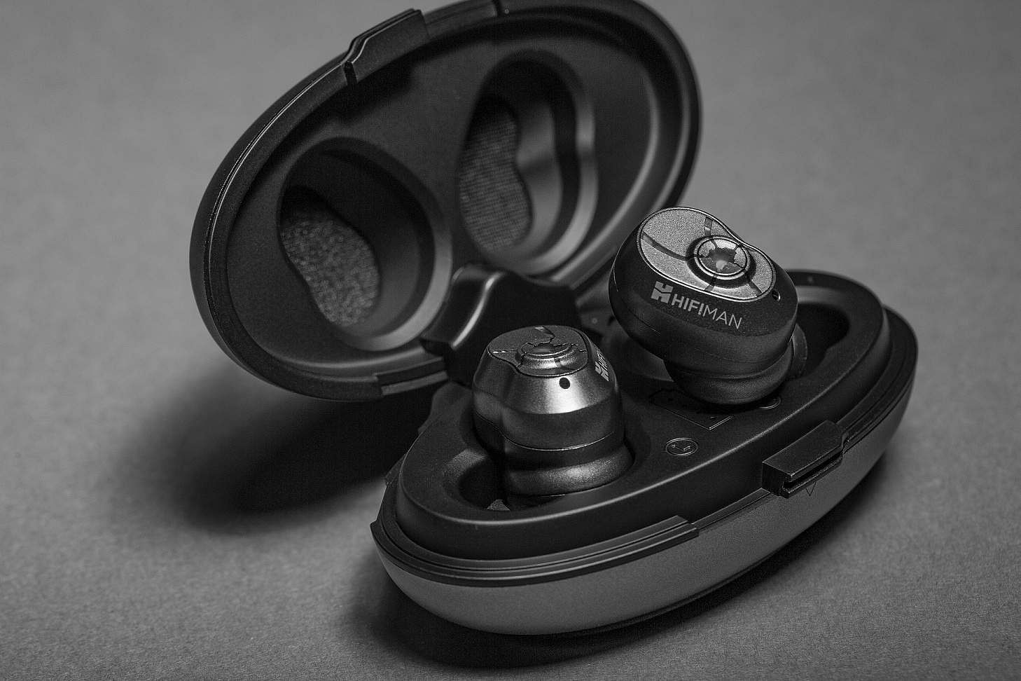 Gadget Review: HiFiMan TWS 600: Wireless earbuds by the audiophile-grade brand HiFiMan. BT 5.0 ensures that audio is clear, in-sync while streaming videos and battery life upto 32 hours+. INR 12,999.