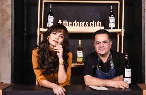 Esha Gupta & Chef Vicky Ratnani