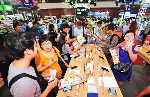 Thailand Mobile Expo 2014 (Xinhua/Rachen Sageamsak/IANS)