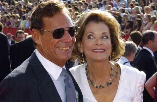 Ron Leibman and wife Jessica Walter (AP Photo/Chris Pizzello)