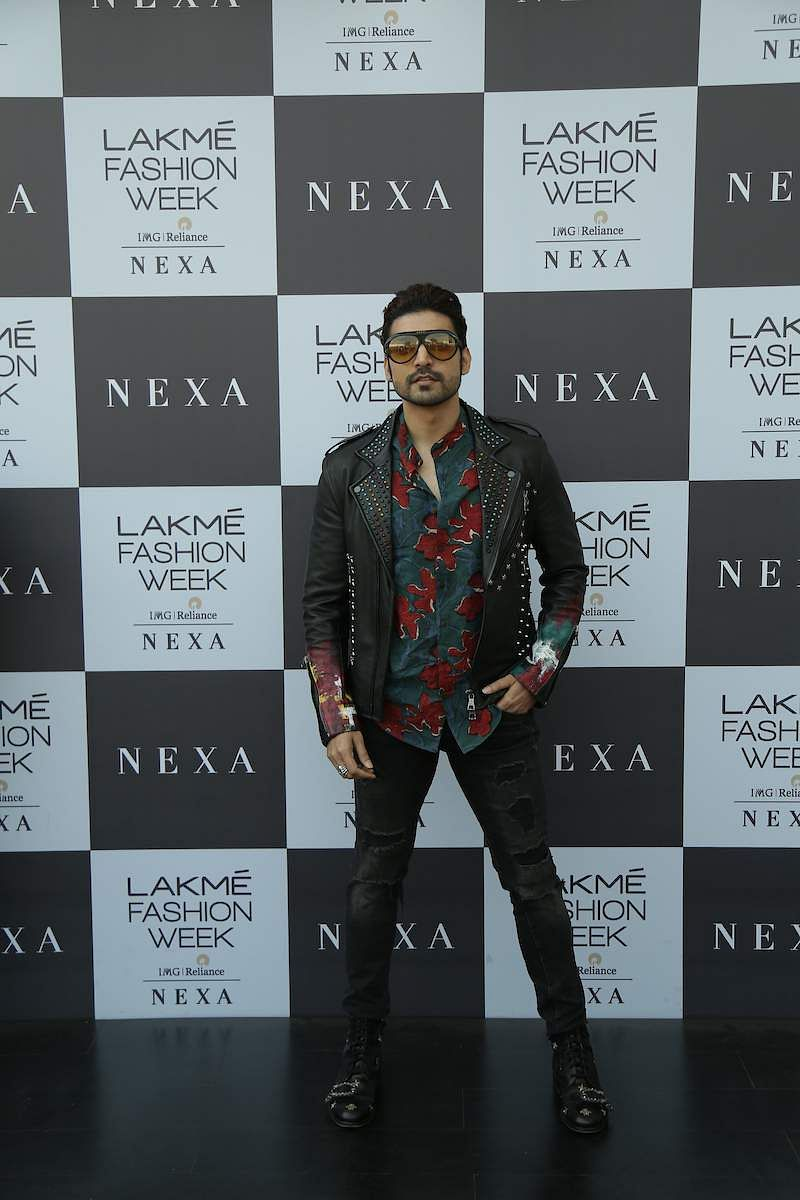 Gurmeet_Choudhary_spotted_at_LFW_summer_resort_2019