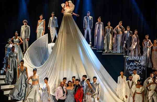 The_Opening_Show_by_Gaurav_Gupta_for_Lakme_Fashion_Week_SR_19