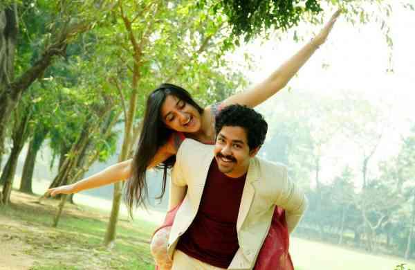 Actors Riddhi Sen & Surangana Bandyopadhyay