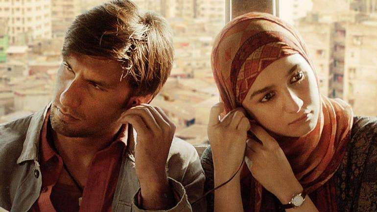 Ranveer Singh and Alia Bhatt in Gully Boy