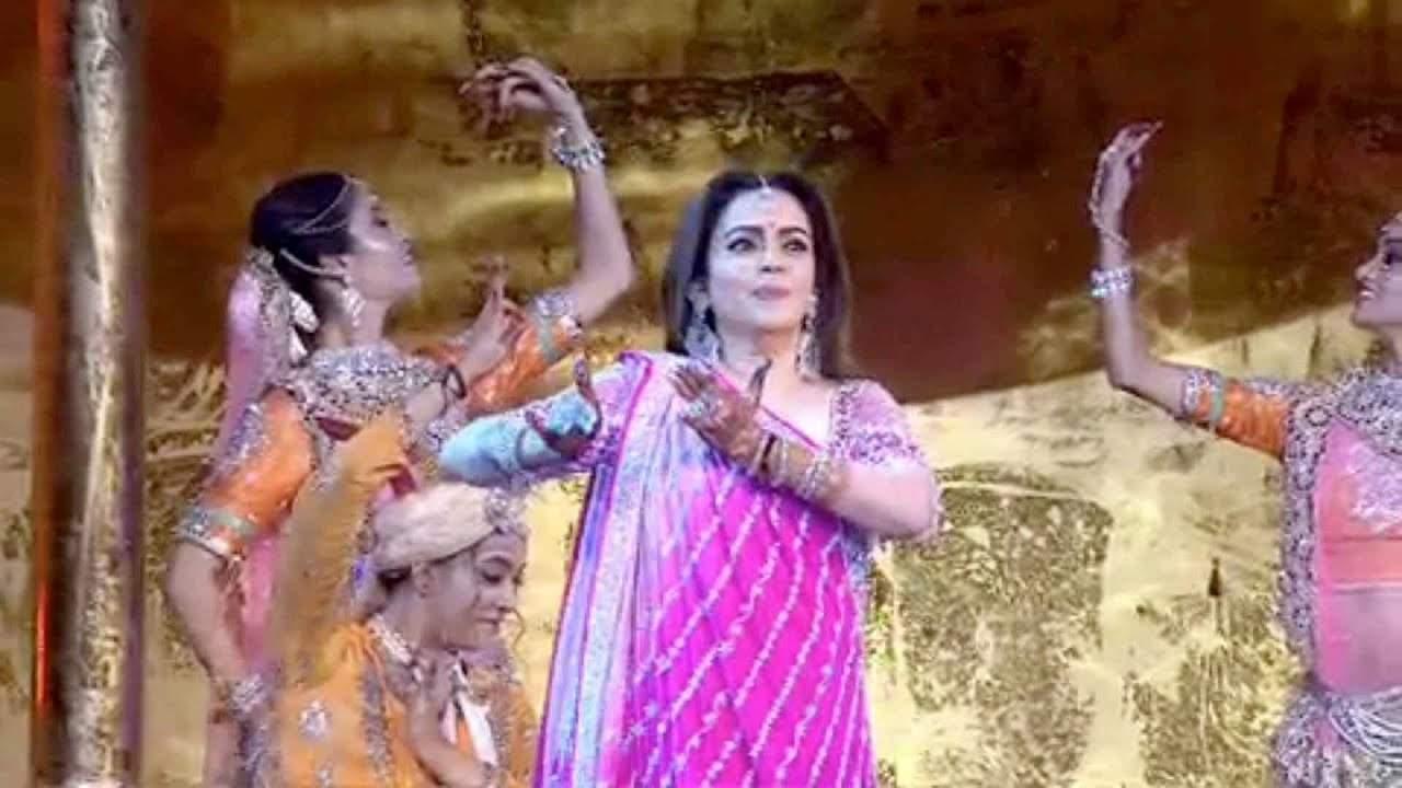 Nita Ambani performs at Akash Ambani-Shloka Mehta's wedding celebrations