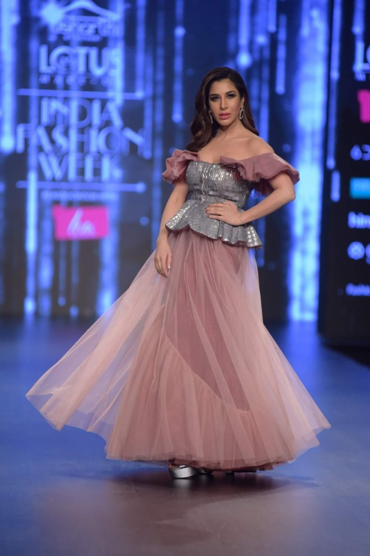 New Delhi: Actress Sophie Chaudhary showcases a creation of fashion designer Shivani Awasthy on the third day of Lotus India Fashion Week in New Delhi, on March 15, 2019. (Photo: Amlan Paliwal/ IANS)