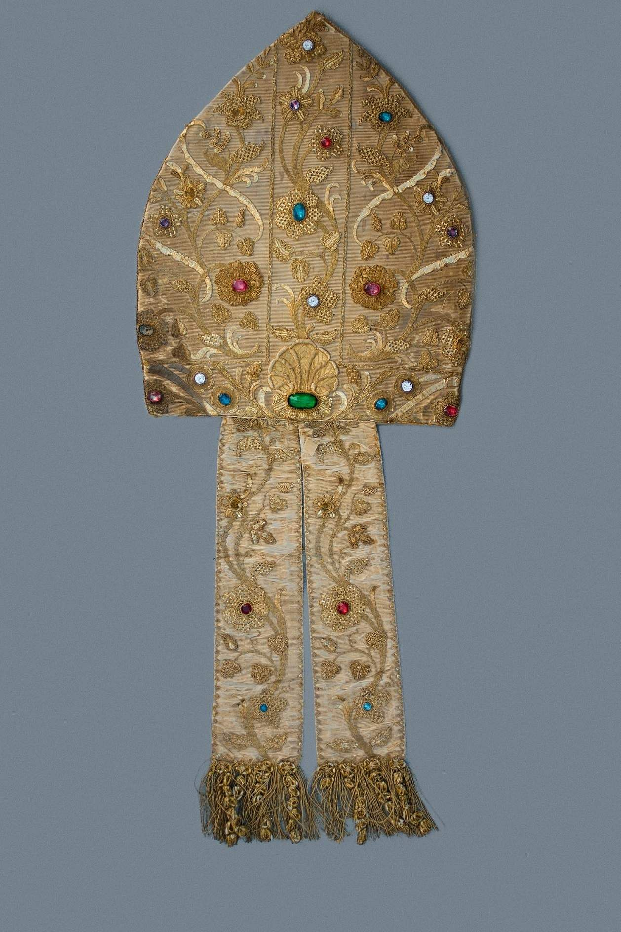 Bishop's Mitre in silk, encrusted with semi-precious stones and embellished with gold thread. (Photo by Mark Sequeira/Courtesy: Moda Goa Museum)