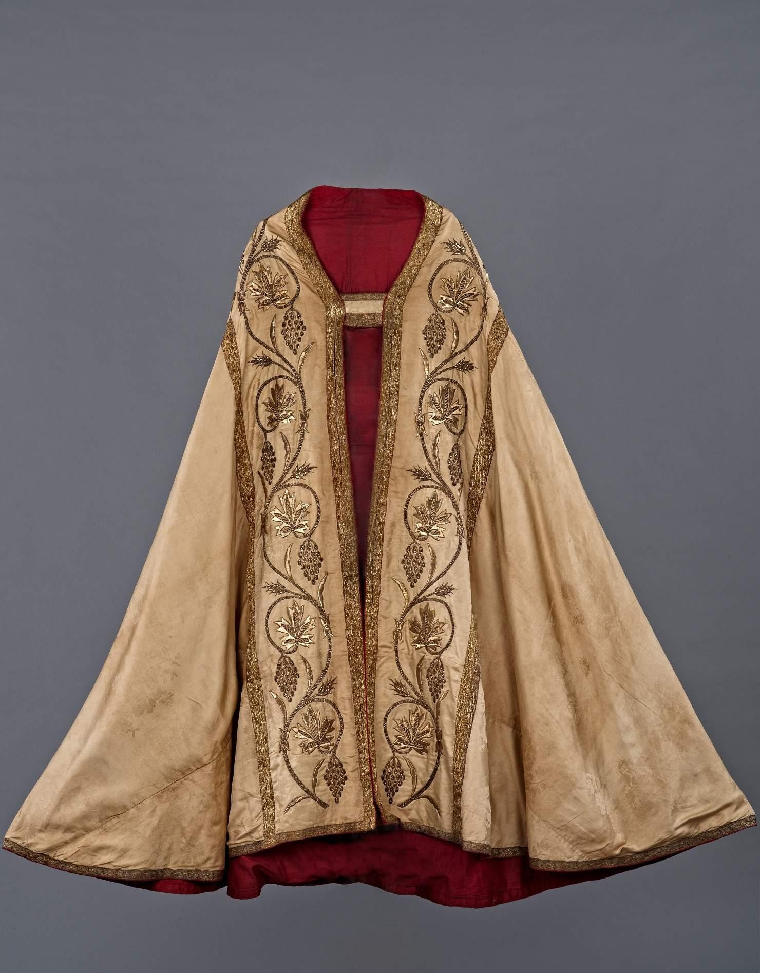 Church robe. (Photo: Shantanu Sheorey, The One School Goa/Courtesy: Moda Goa Museum)