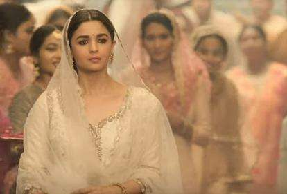 Alia Bhatt in Kalank's Ghar More Pardesiya