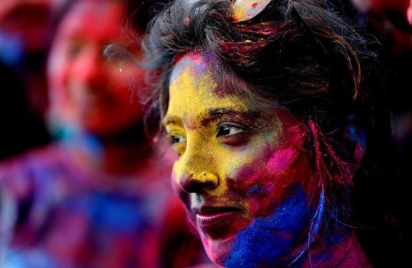 Yangon, March 20, 2019 (Xinhua) - Women smear coloured powder in a celebration of Holi in Yangon, Myanmar. The Festival of Colours marks the beginning of Spring. (Xinhua/U Aung/IANS)