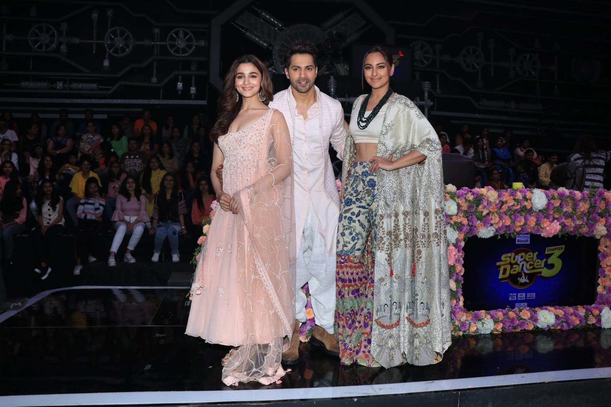 Alia Bhatt, Varun Dhawan and Sonakshi Sinha on the sets of Super Dancer Chapter 3 in Mumbai on March 25, 2019. (Photo: IANS)
