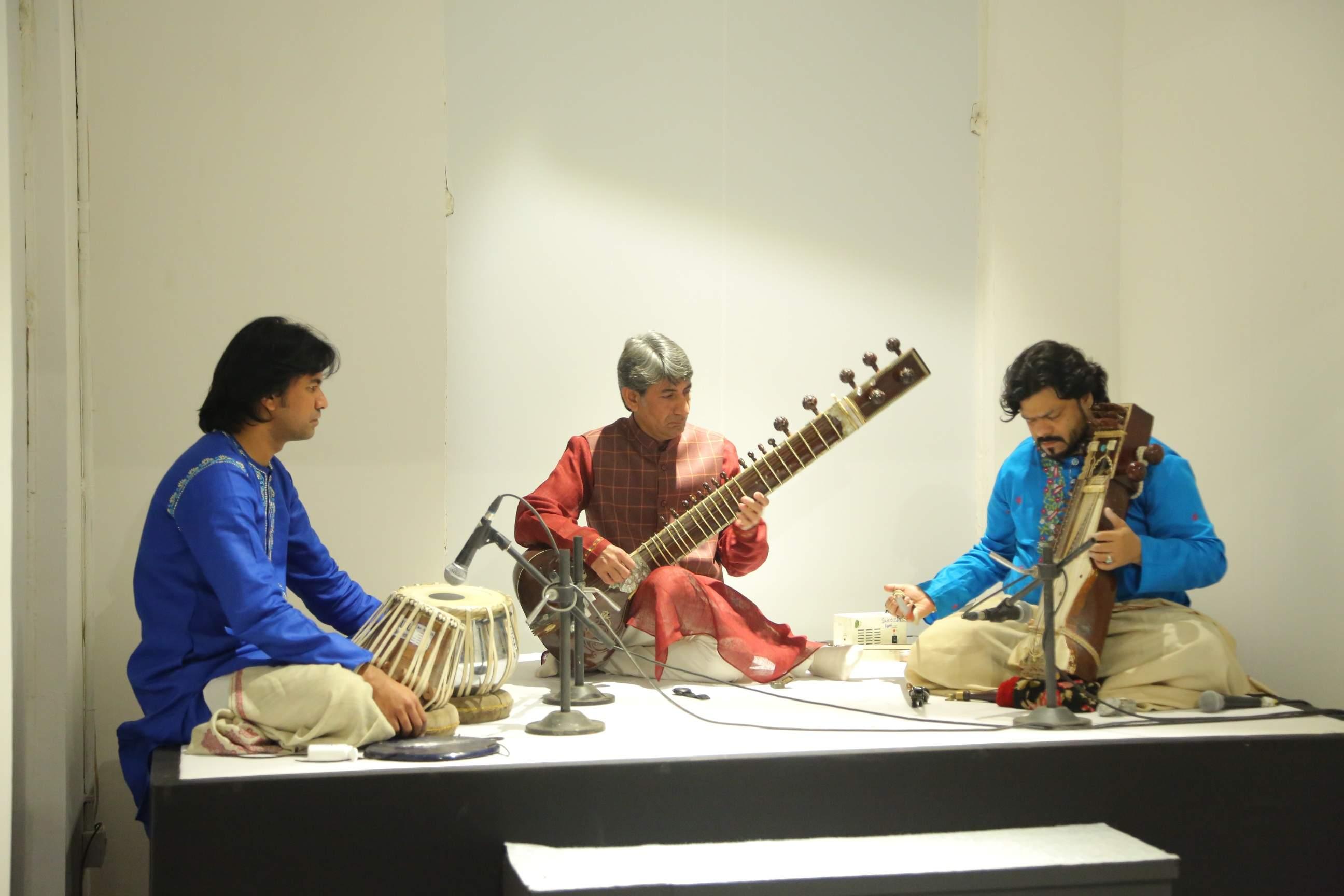 Artists of the Delhi Garhana performing at Drishyakala