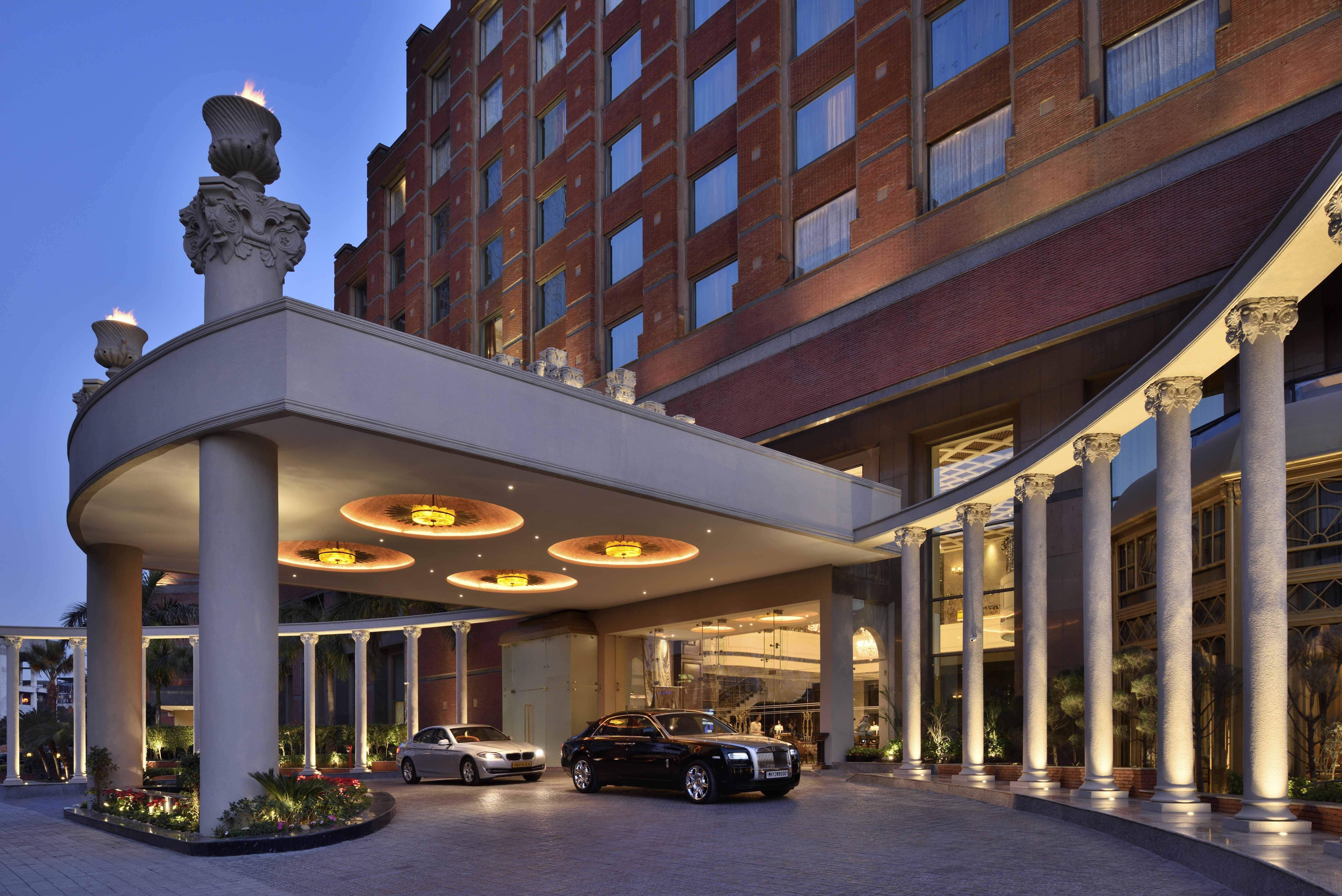 Porch, Radisson Blu MBD Hotel Noida