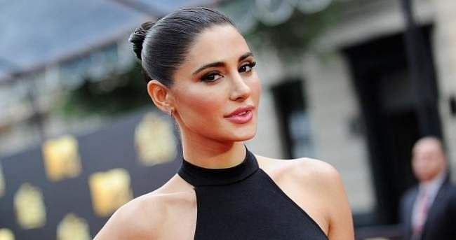 Nargis Fakhri sharespicture post weight gain, says 'living life in public eye is difficult'