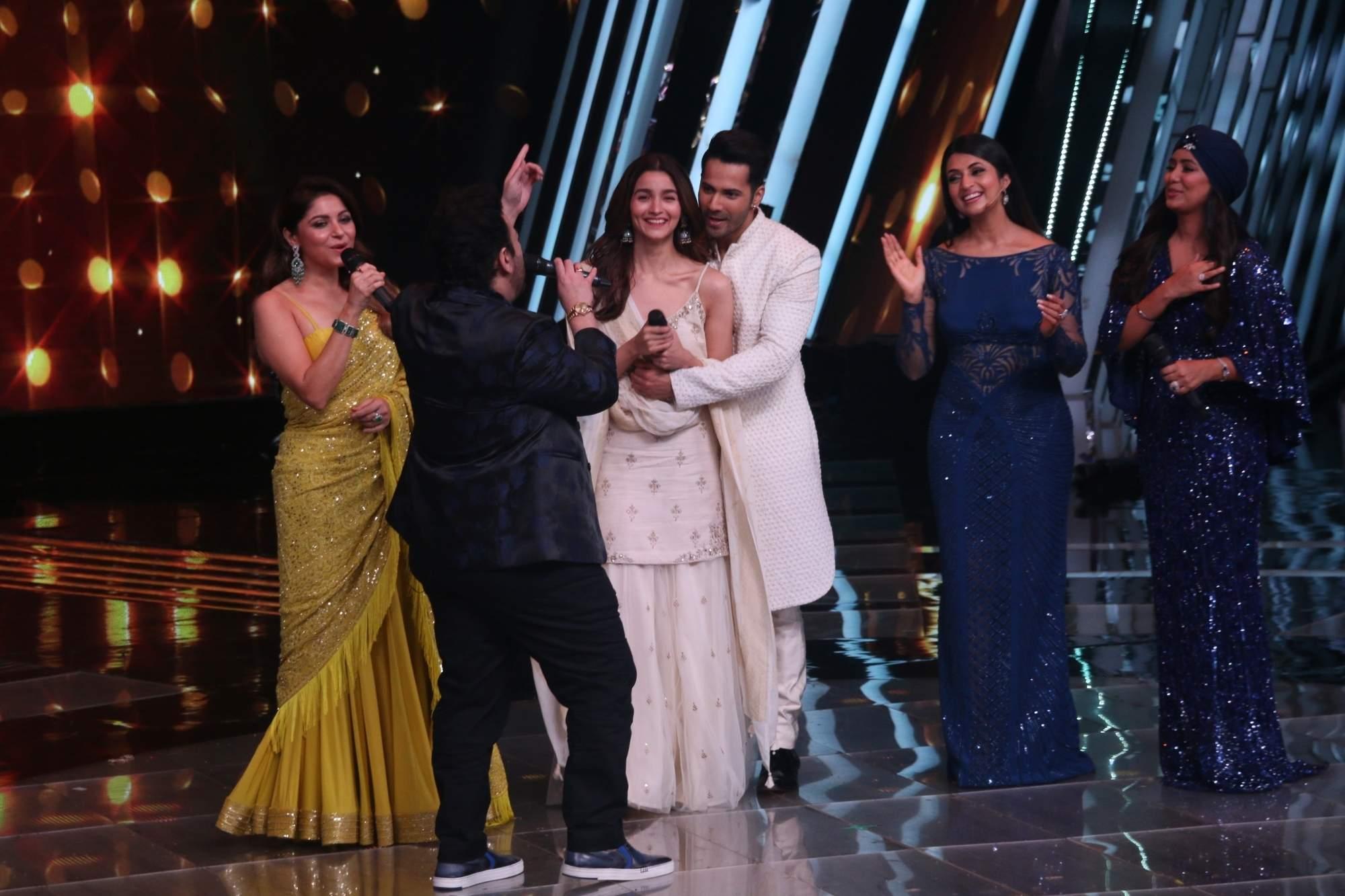 Mumbai: Varun Dhawan and Alia Bhatt during the promotion of film Kalank on the sets of 'The Voice' in Mumbai on April 9, 2019. (Photo: IANS)