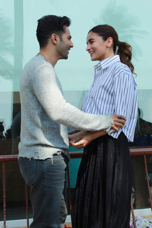 Mumbai: Varun Dhawan and Alia Bhatt during the promotions of their upcoming film 'Kalank' in Mumbai's Juhu on April 8, 2019. (Photo: IANS)