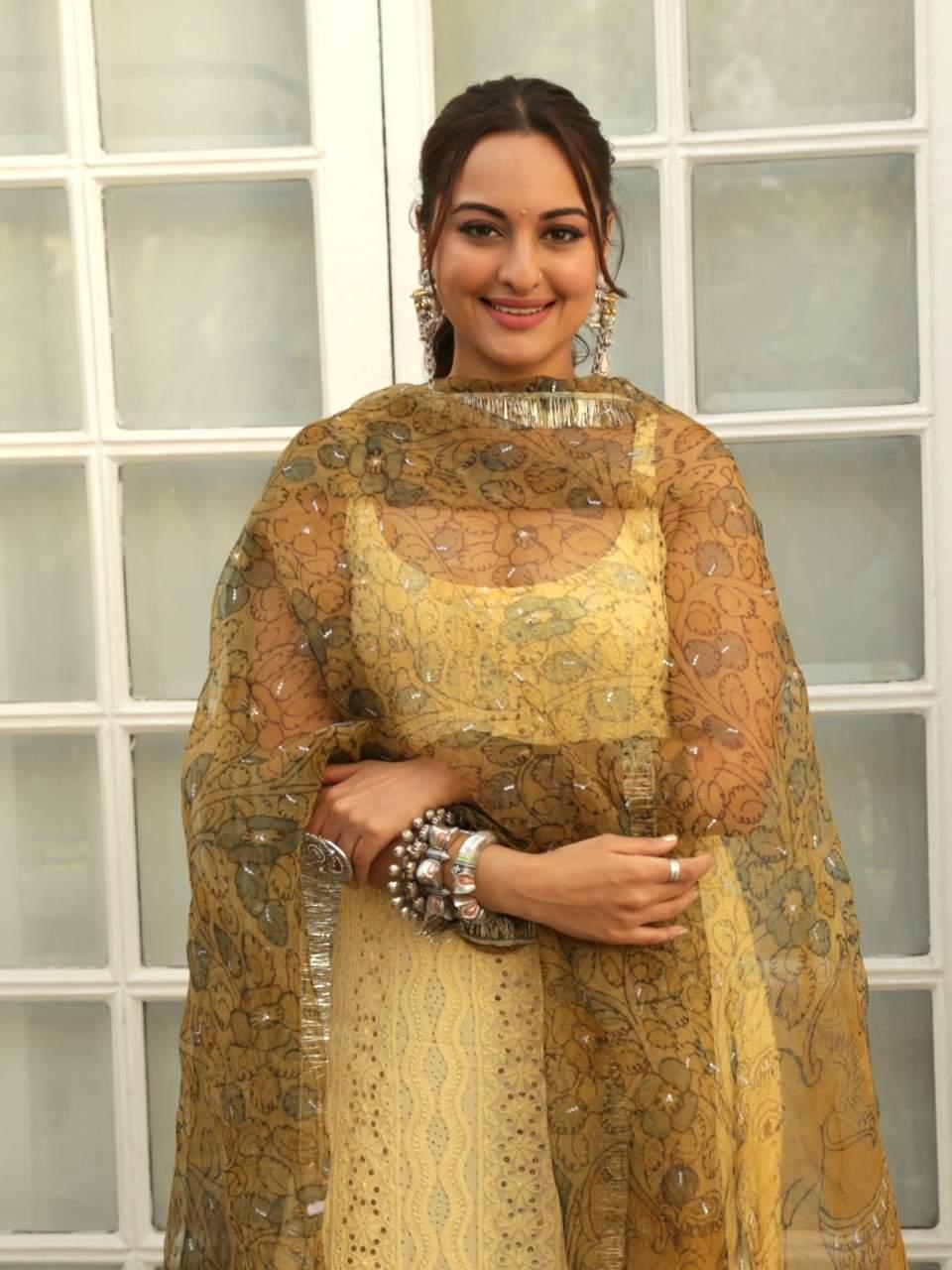 New Delhi: Actress Sonakshi Sinha at a photo shoot during the promotions of her upcoming film 'Kalank' in New Delhi, on April 13, 2019. (Photo: (Amlan Paliwal/IANS)