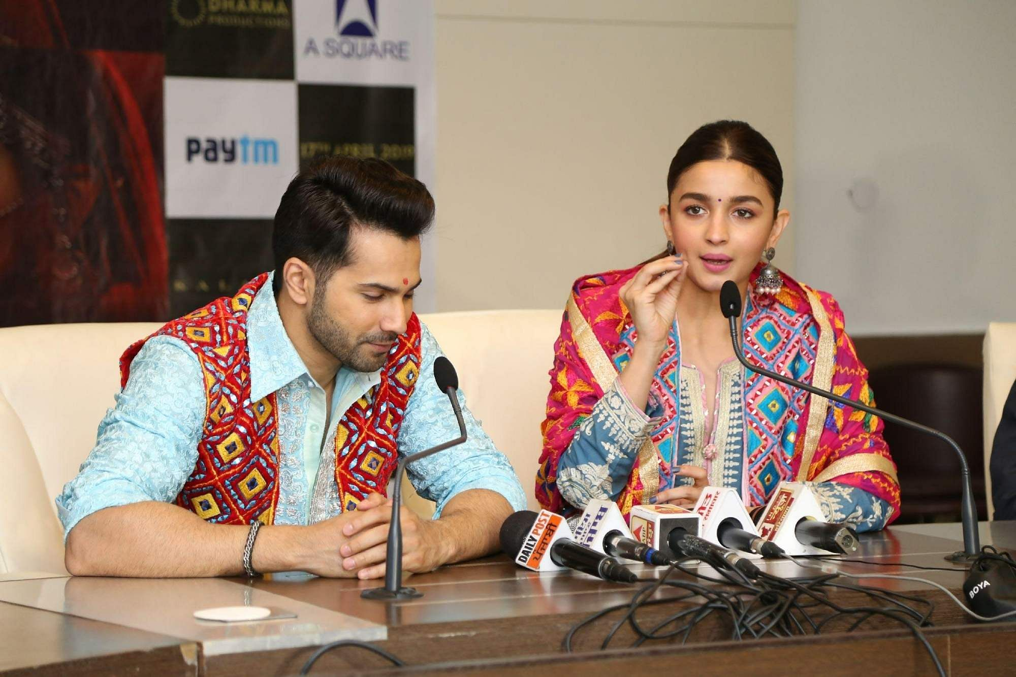 Jaipur: Actors Alia Bhatt and Varun Dhawan during a programme to promote their upcoming film 'Kalank' in Jaipur on April 11, 2019. (Photo: IANS)