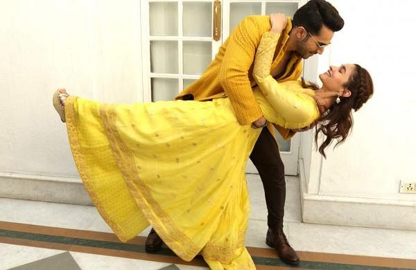 New Delhi: Actors Varun Dhawan and Alia Bhatt at a photo shoot during the promotions of her upcoming film 'Kalank' in New Delhi, on April 13, 2019. (Photo: (Amlan Paliwal/IANS)