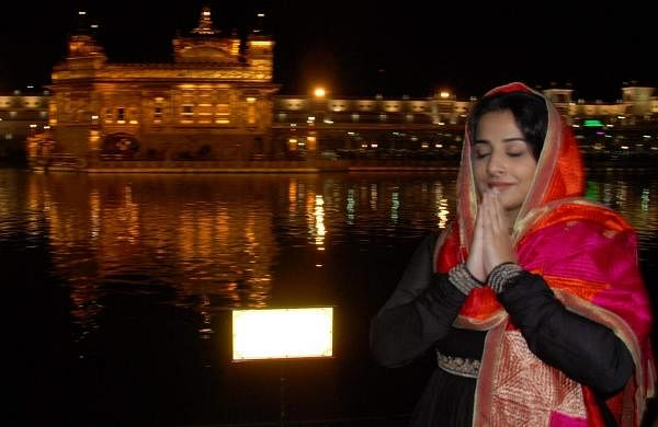 Amritsar: Actress Vidya Balan pays obeisance at the Golden Temple in Amritsar on April 17, 2019. (Photo: IANS)