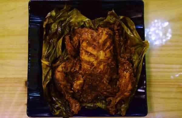 Clay baked chicken at Pathirakozhi