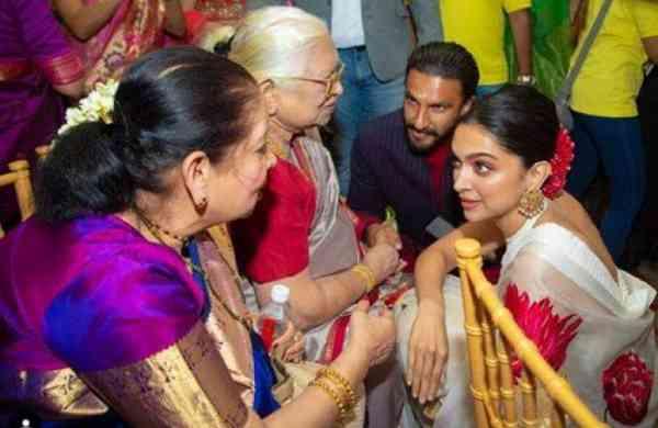 Deepika and Ranveer with Deepika's family