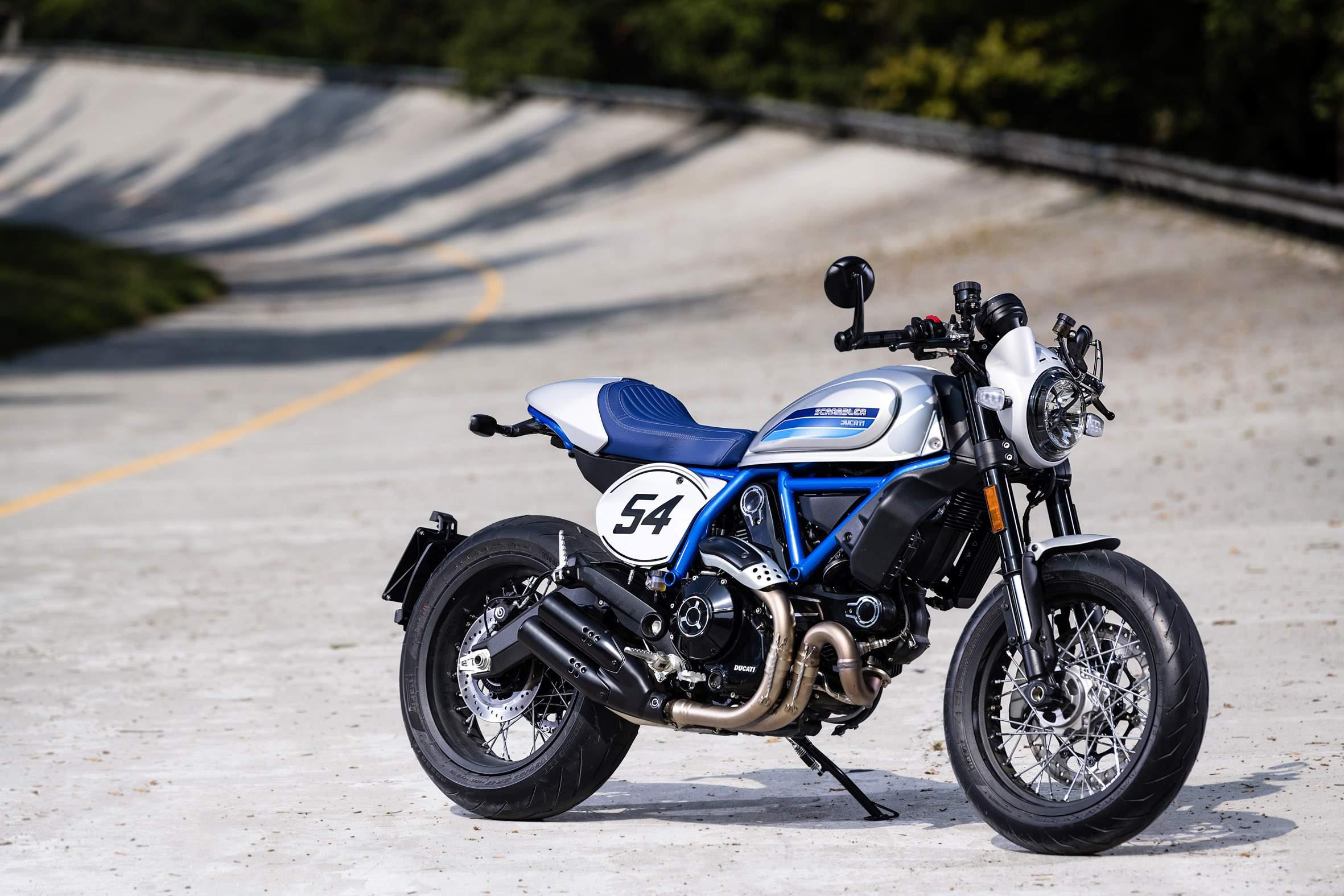 Ducati_Scrambler_Cafe_Racer_(1)