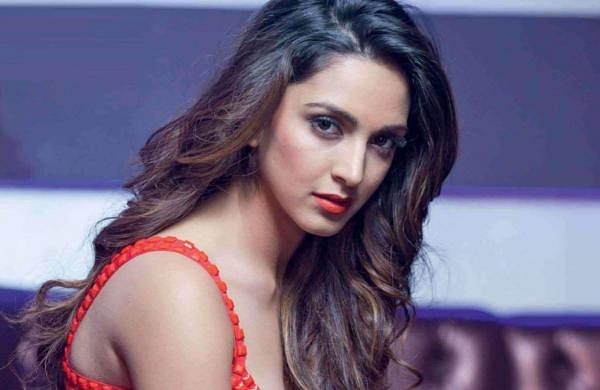 Kiara Advani cuts off hair while rapping in viral Instagram video, fans react