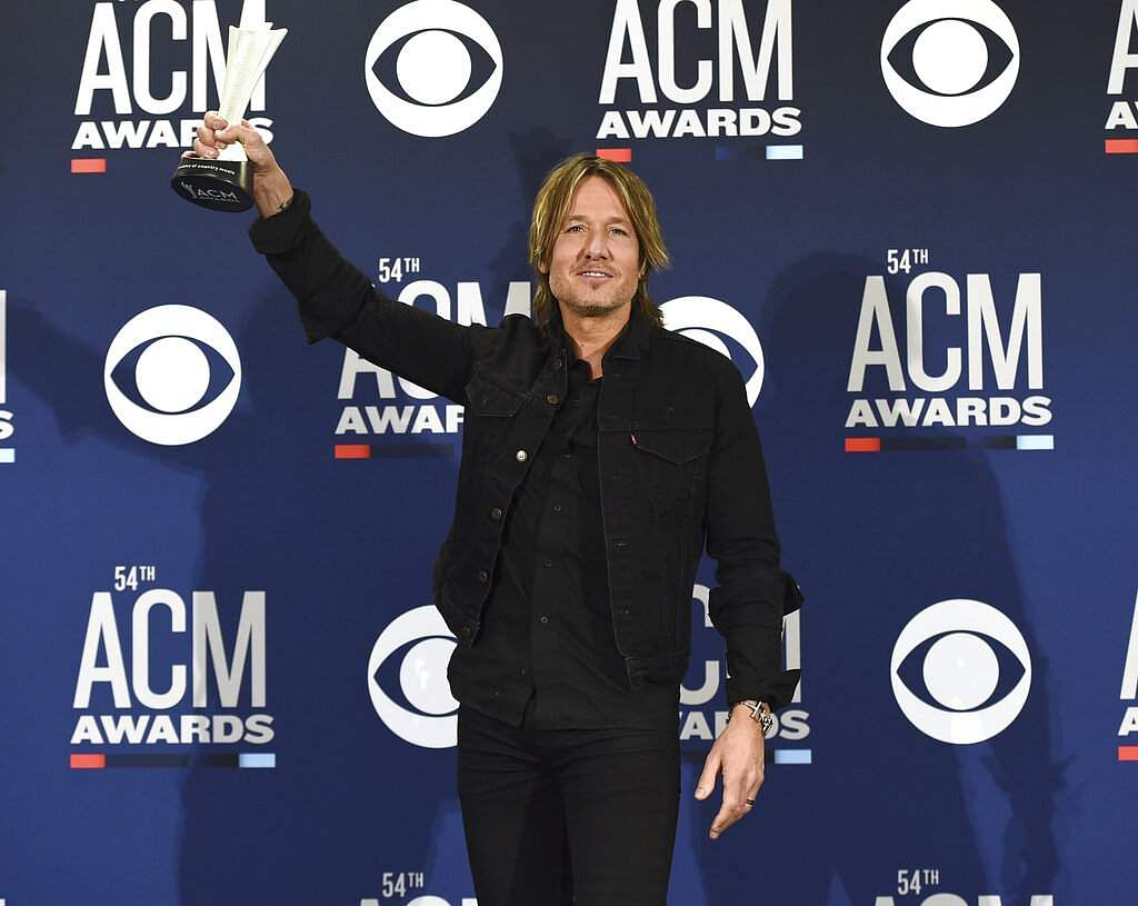 Keith Urban with the award for entertainer of the year at the 54th annual Academy of Country Music Awards at the MGM Grand Garden Arena in Las Vegas. (Photo by Jordan Strauss/Invision/AP)