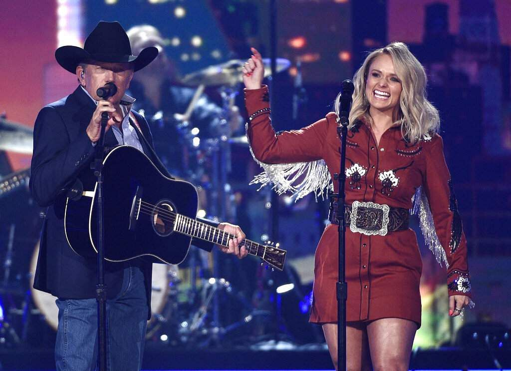 George Strait and Miranda Lambert perform 'Run' at the 54th annual Academy of Country Music Awards in Las Vegas. (Photo by Chris Pizzello/Invision/AP)