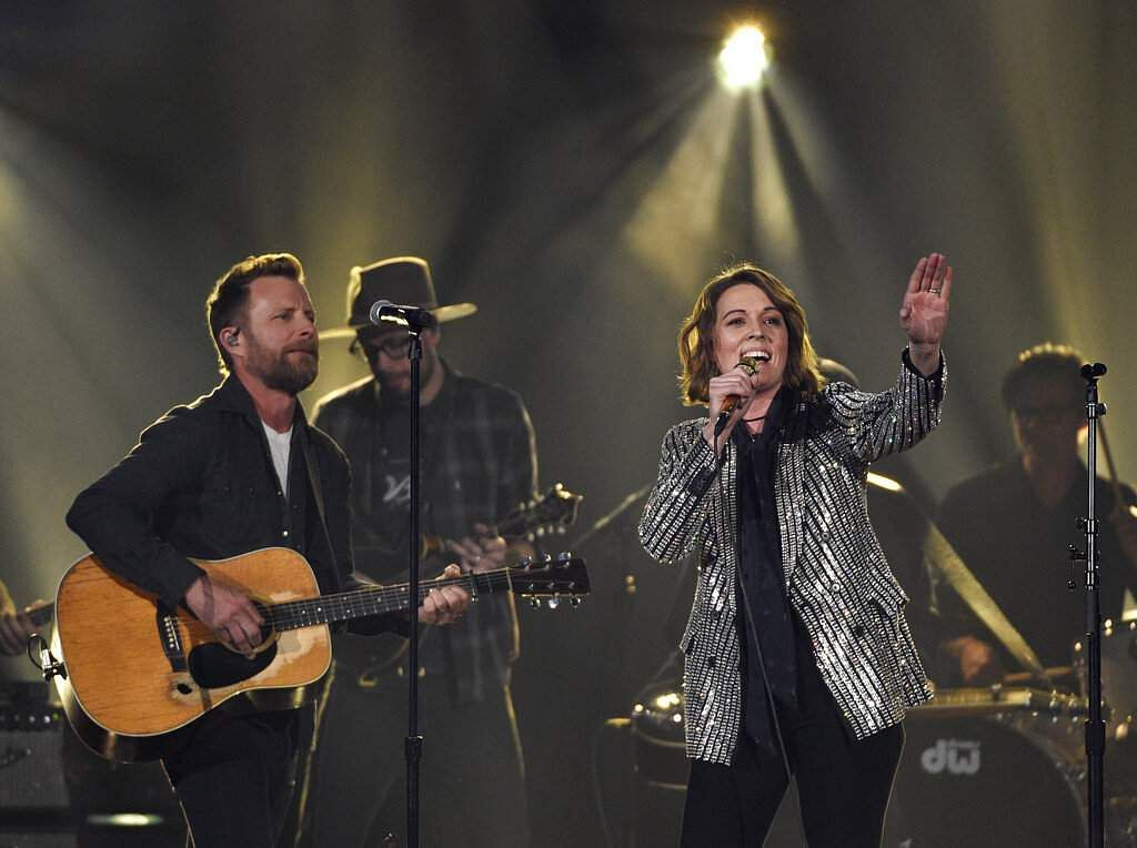 Dierks Bentley, left, and Brandi Carlile perform 'Travelin' Light' at the 54th annual Academy of Country Music Awards in Las Vegas. (Photo by Chris Pizzello/Invision/AP)