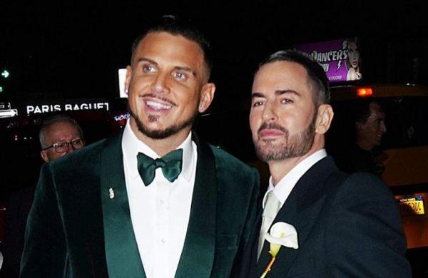 Fashion designer Marc Jacobs marries longtime boyfriend Charly Defrancesco