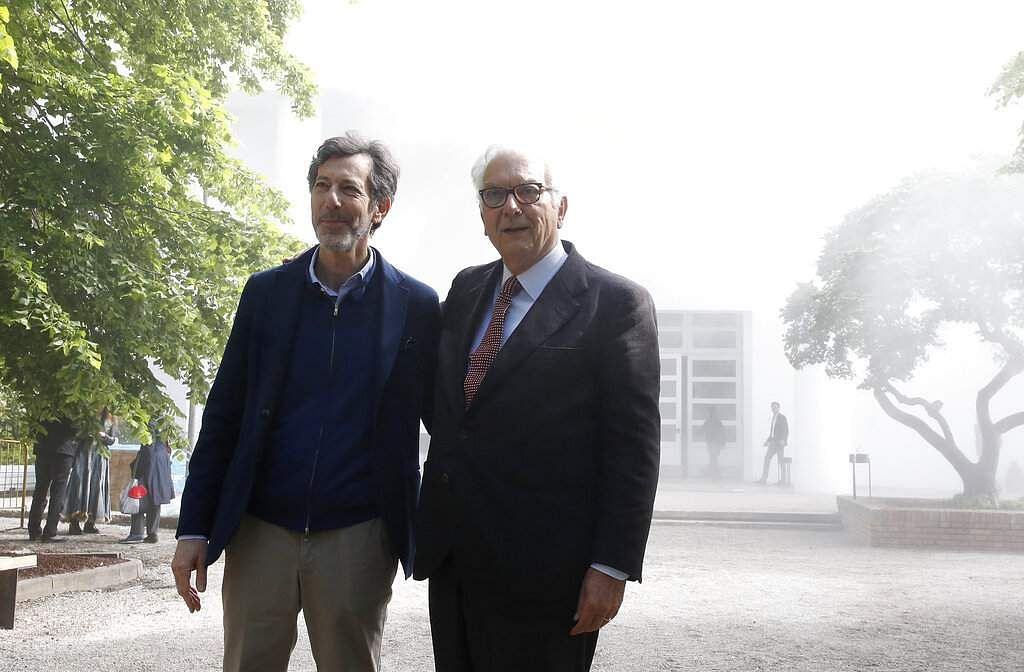 Venice Biennale President Paolo Baratta and US curator of the Biennale Ralph Rugoff at the 58th Biennale of Arts in Venice, Italy. (AP Photo/Antonio Calanni)