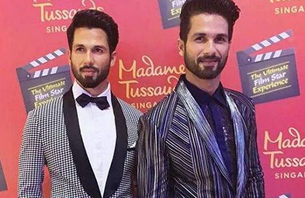 Shahid Kapoor with his statue at Madame_Tussauds