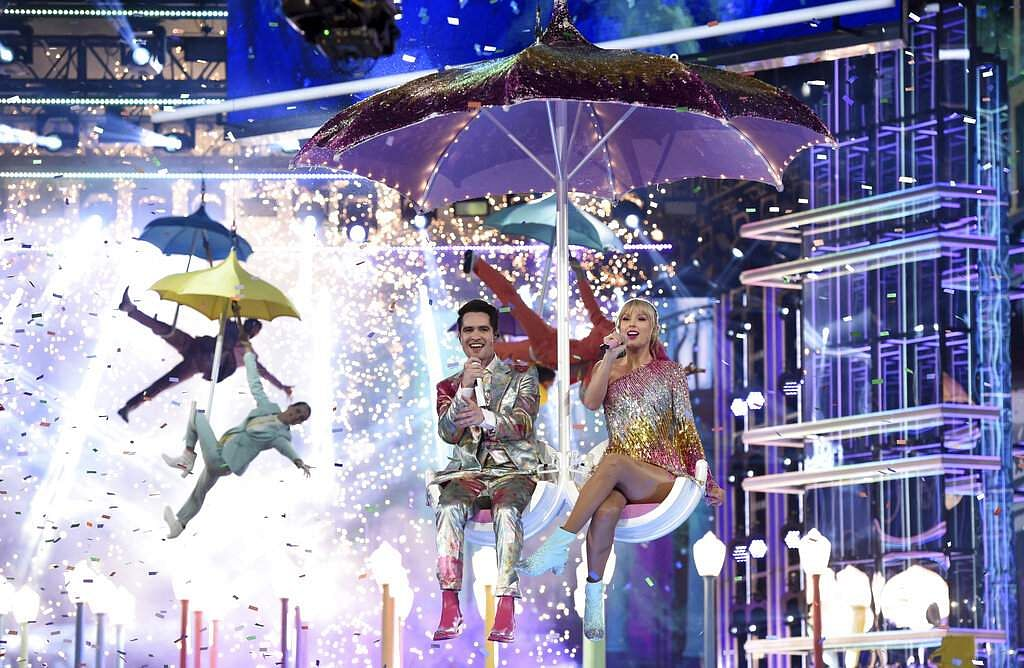 Brendon Urie, left, and Taylor Swift perform 'Me!' at the Billboard Music Awards on Wednesday, May 1, 2019, at the MGM Grand Garden Arena in Las Vegas. (Photo by Chris Pizzello/Invision/AP)