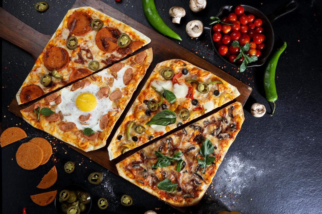 Glocal_Junction_-_PizzaByTheBat_(2)